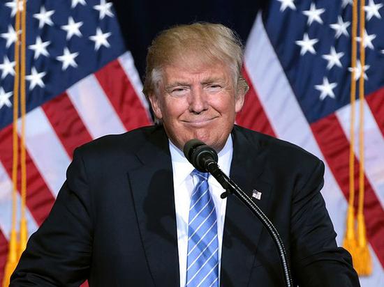 Демократка, еврейка, женщина: 70-летняя глава ФРС США перестала устраивать Трампа