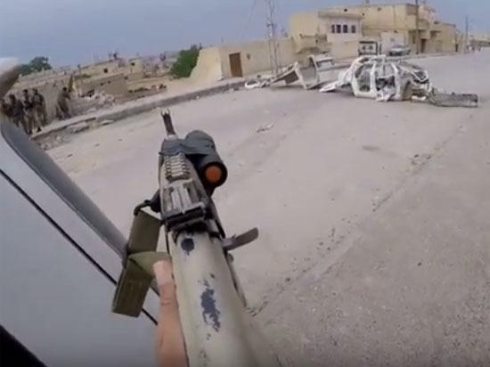 Бойцы ЛГБТ воюют против террористов ИГ в Сирии