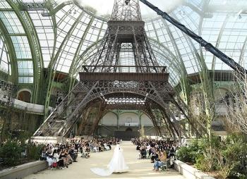 Кристен Стюарт, Кэти Перри, Кара Делевинь и другие гости показа Chanel Couture в Париже