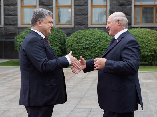 Лукашенко после посещения мемориала жертвам Голодомора напомнил Порошенко о