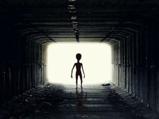 Конспиролог заметил инопланетянина — сотрудника NASA на борту стратосферной обсерватории
