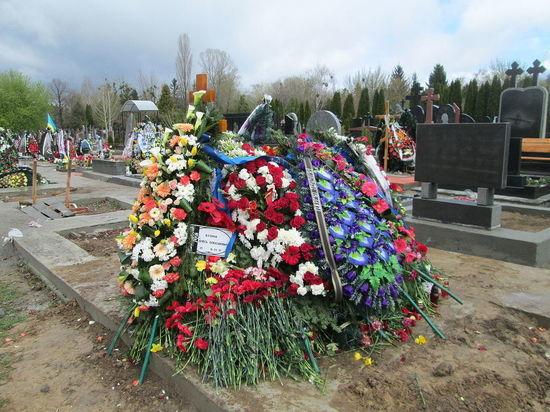 «Лучше бы меня убили»: отчаяние матери погибшего украинского журналиста Бузины