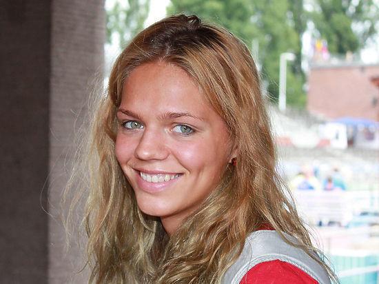 К пловчихе Ефимовой пришли в пять утра за 15-й допинг-пробой