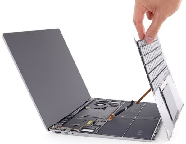 Ноутбук Microsoft Surface Laptop набрал рекордное количество баллов у iFixit