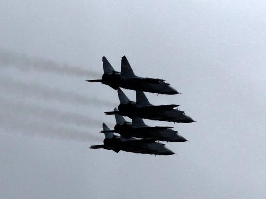 Минобороны: российские истребители шесть раз за неделю перехватывали иностранные самолеты