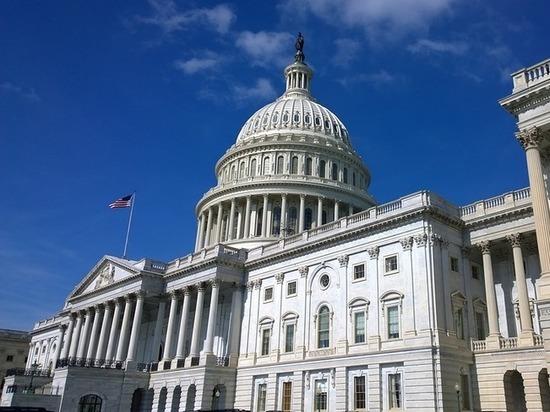 Трампу ограничили полномочия: Конгресс принял законопроект о санкциях против России
