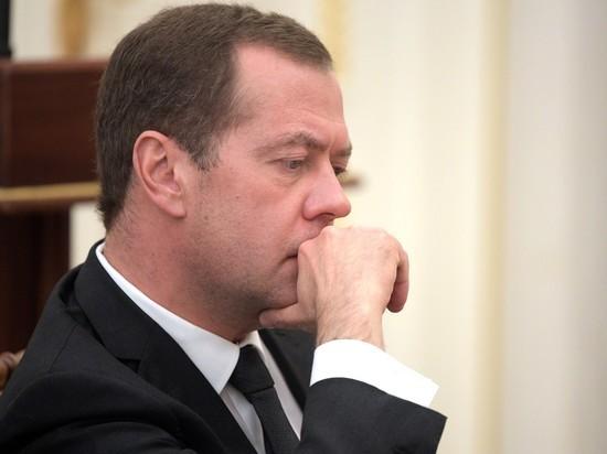 Тимакова поспорила с «Ведомостями» о «токсичности» Медведева