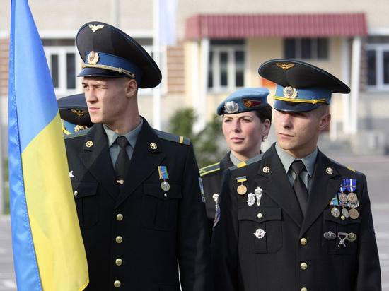 Порошенко готов отправить на Донбасс 130 тысяч резервистов