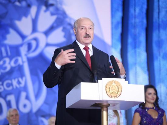 Лукашенко пригрозил министрам переселить их в «однушки»