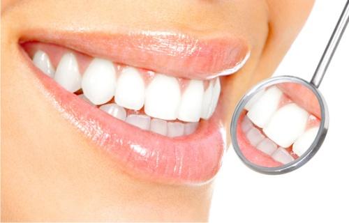 Медики раскрыли последствия употребления сахара для зубов
