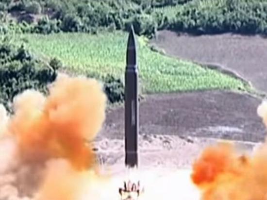 «Перевели стрелки»: Киев обвинил Москву в передаче КНДР ракетных двигателей
