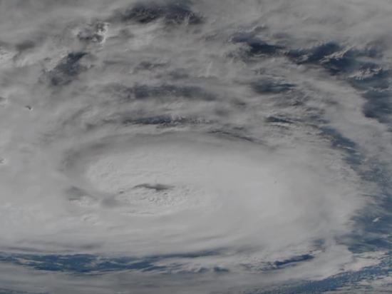 «Как адский спиннер»: разрушительный ураган «Харви» запечатлели в США