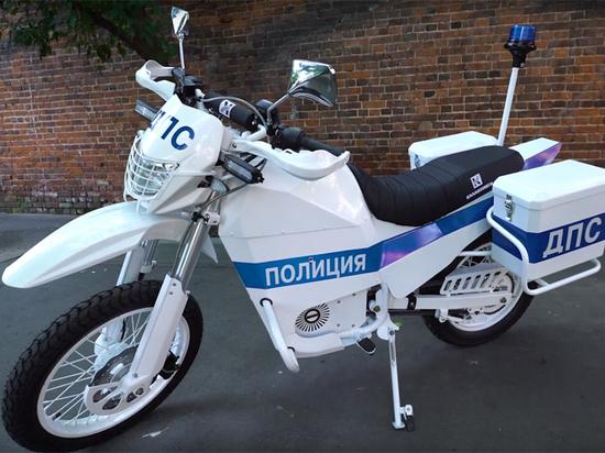 Электромотоциклы для российских полицейских: бомба между ног