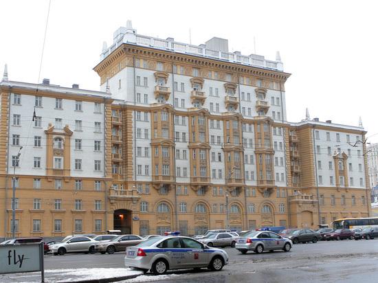 «Опять разбомбили Воронеж»: посольство США сократит не дипломатов, а россиян