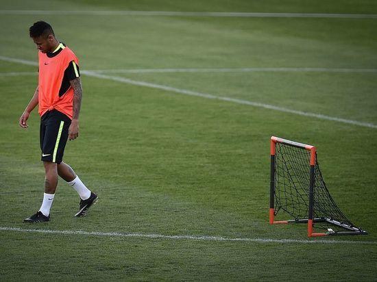 Месси обещал Неймару «Золотой мяч», чтобы бразилец не ушел из «Барселоны»