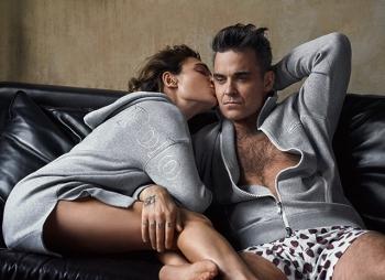 Робби Уильямс снялся с женой Айдой Филд в рекламе своей новой коллекции одежды