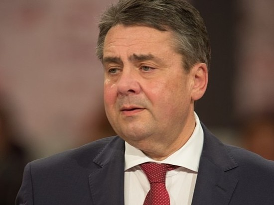 Slawa Ukraini: главе МИД Германии напомнили про Гитлера из-за поздравления Киеву