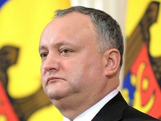 Президент Додон не может удержать правительство от нападения на Приднестровье