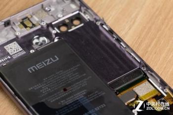 Легко ли заменить второй экран в Meizu PRO 7 Plus?
