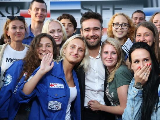 Актера Петра Федорова взяли в заложники