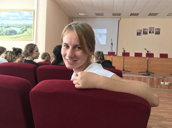 Журналистка «МК» поступает в военное лётное училище: особенности хорового пения