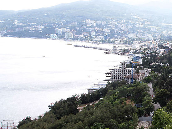 «Беспроигрышный вариант»: Порошенко предложили отделить Крым каналом для развития портов
