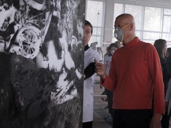 Художник Гоцян создал для ГМИИ пороховую картину по бабушкиной технологии