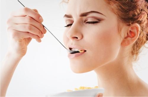 Врачи раскрыли, чем опасен недостаток жира в питании