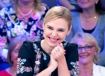 Пелагея рассказала о дочери и «Голосе» в шоу «Сегодня вечером» с Максимом Галкиным и Юлией Меньшовой
