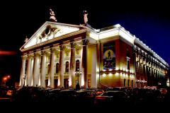 Взяточники из челябинского театра оперы и балеты остались на свободе