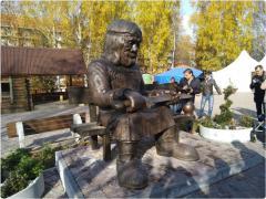 Борис Дубровский побывал  в Златоусте на стадионе, в парке и в архиве – все идет по плану