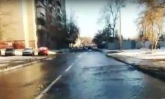 Центр Челябинска залило водой