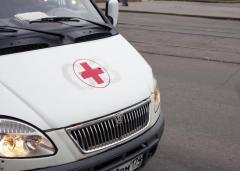 В Агаповском районе мужчина наехал на врача скорой помощи, который хотел госпитализировать его жену