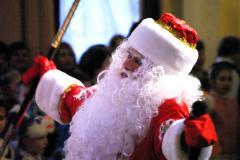Ветераны сцены Челябинска пели для Деда Мороза