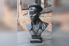 Каслинский завод отлил бюст  легендарного главкома ВДВ